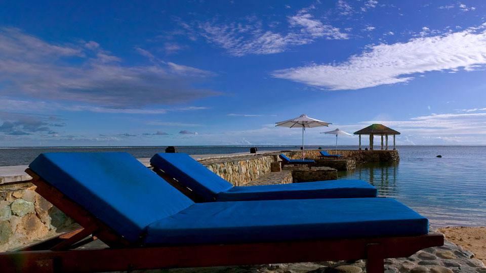 deckchairs-on-beach2