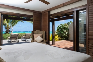 12.-Te-Manava-Luxury-Villas-Spa-Presidential-Beachfront-Villa-Bedroom