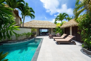 22.-Te-Manava-Luxury-Villas-Spa-Ultimate-beachfront-villa-courtyard