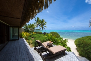 29.Te-Manava-Luxury-Villas-Spa-Ultimate-beachfront-villla-lagoon-and-deck