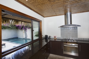 6.-Te-Manava-Luxury-Villas-Spa-Ultimate-Beachfront-Villa-3B-Kitchen