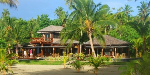 Island-Travel-Network-Coconuts-21