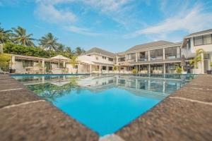 Island-Travel-Network-Muri-Beach-Club-7