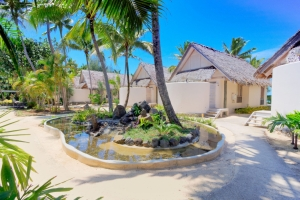 Island-Travel-Network-Little-Polynesian-4